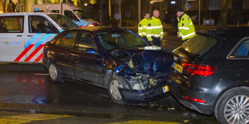 Gewonde bij aanrijding politieauto