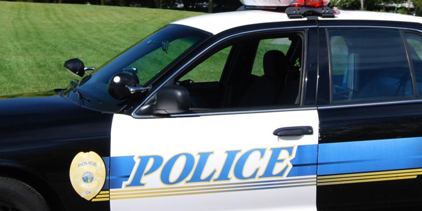 Topless selfie eindigt in botsing met politieauto