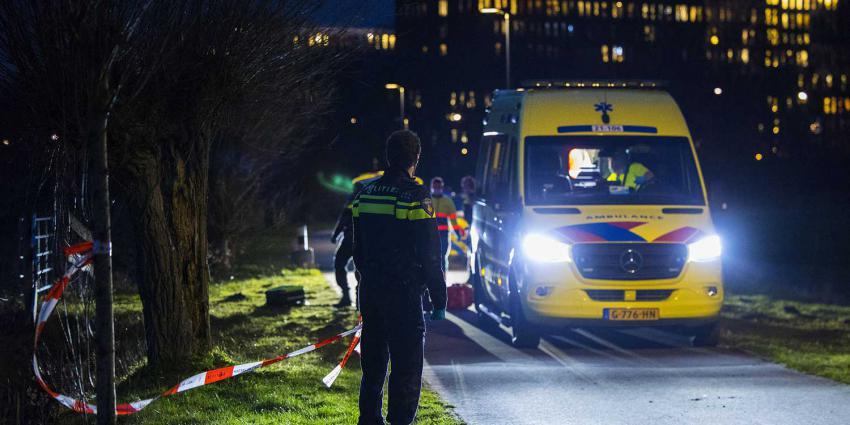 politie-afzetlint-ambulance-donker