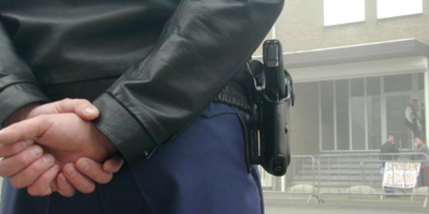 Beschoten voorvluchtige jeugd-tbs'er doet aangifte tegen agent