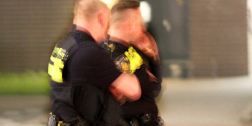 Agenten gewond na belagen groep mannen in Den Helder
