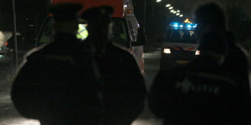 Foto van politie en ambulance in donker   Archief EHF