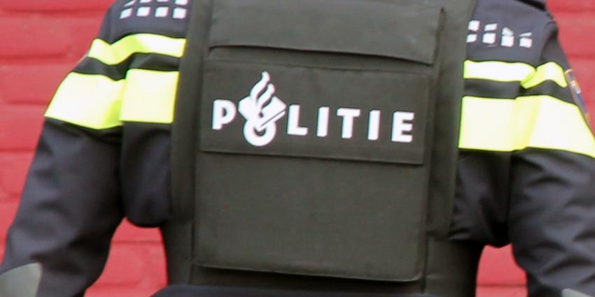 Politie-actie bij fruithandel in Hedel