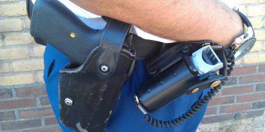 Verwarde man man aangehouden na waarschuwingsschoten