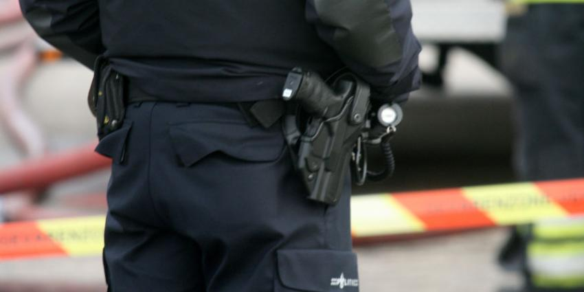 Politie lost waarschuwingsschot in Wassenaar
