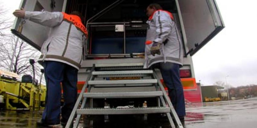 Politie houdt vier in laadruimte vrachtwagen verstopte mannen aan
