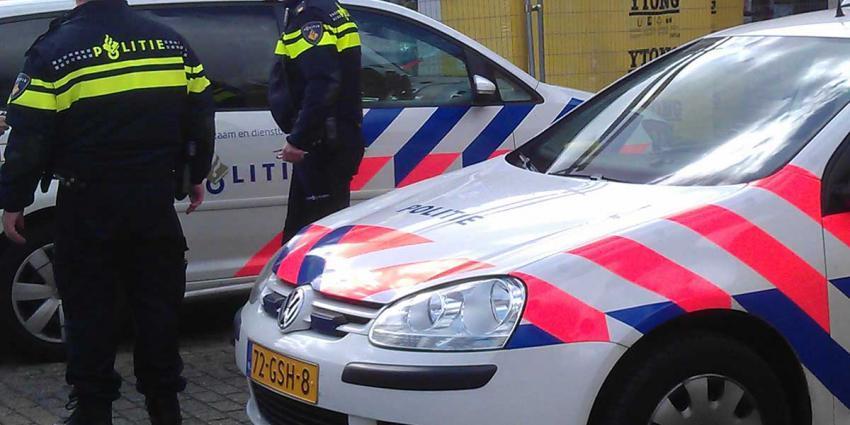 Jongens aangehouden na inrijden op politieagent