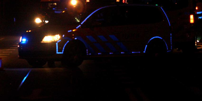 politieauto-donker-reflectie