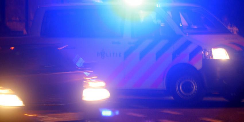 Politieauto's botsen tegen elkaar