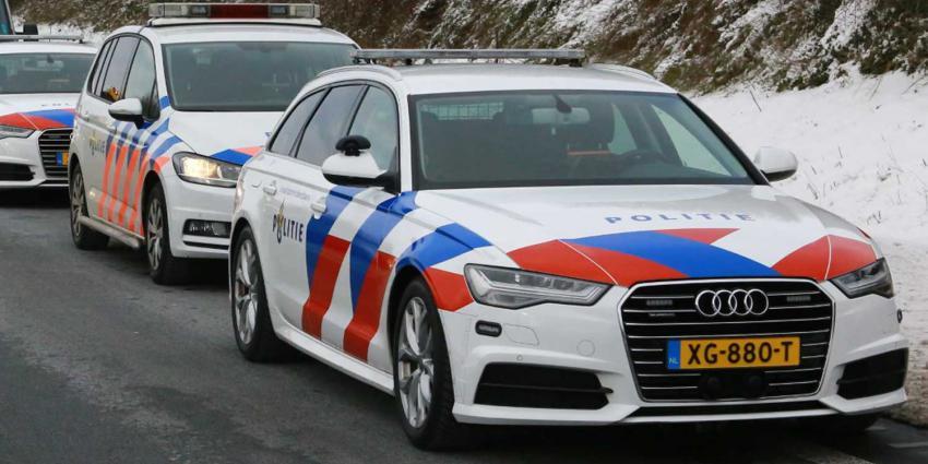 politieautos-sneeuw-snelweg