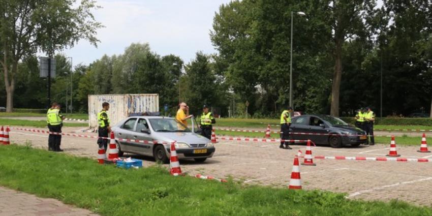 Politiestudenten voeren verkeerscontrole uit