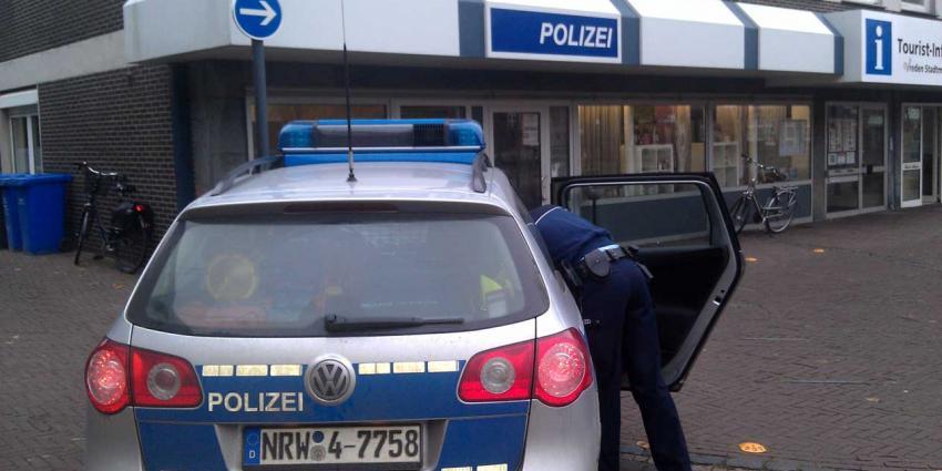 Duitse politie op zoek naar man die supermarkten bedreigt