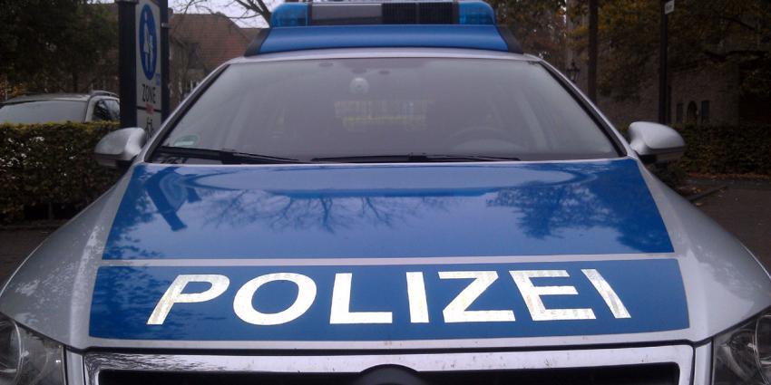 Automobilist rijdt in het Duitse Recklinghausen in op groep mensen bij bushalte