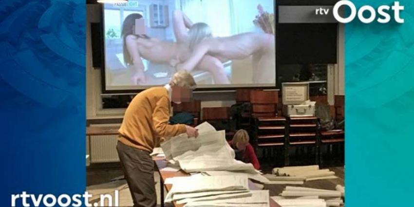 Porno tijdens het tellen van stemmen in Enschede