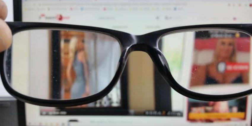 Meer Nederlanders kijken porno nu we massaal thuiswerken