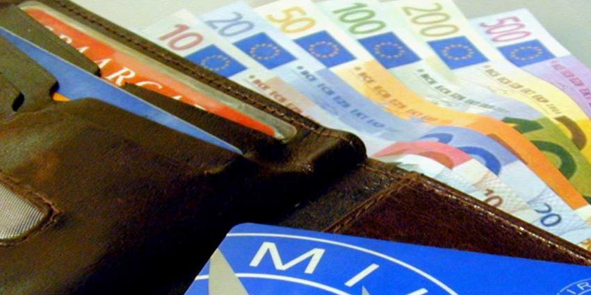 'Minder sterke stijging topinkomens'