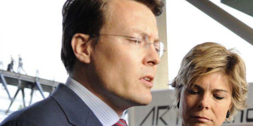 Prins Constantijn fietst virtual reality tocht langs Europese kunst