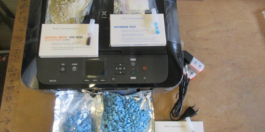 Foto van printer met drugs