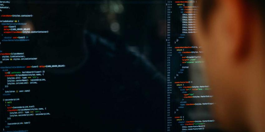 programmeur-it-specialist-code
