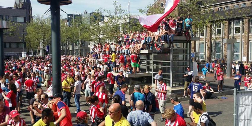Stadhuisplein Eindhoven stroomt vol voor dubbel feestje