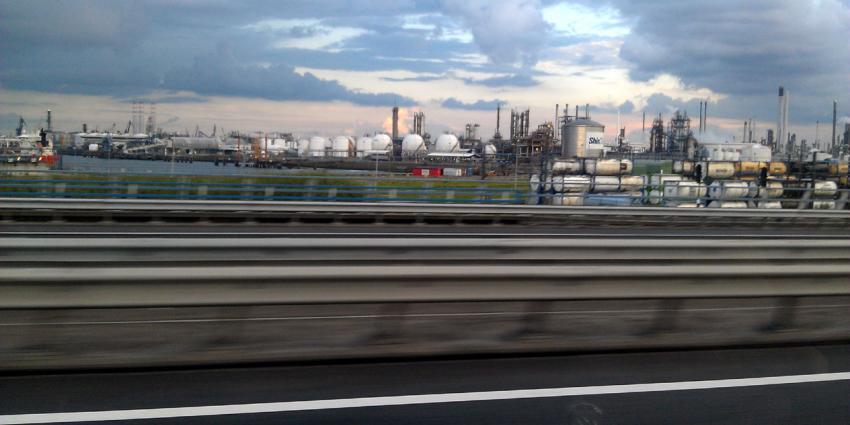 Tientallen banen op de tocht bij raffinaderij Q8