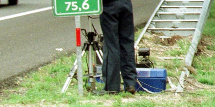 Jonge snelheidsduivel raast met 209 km/u langs politieradar