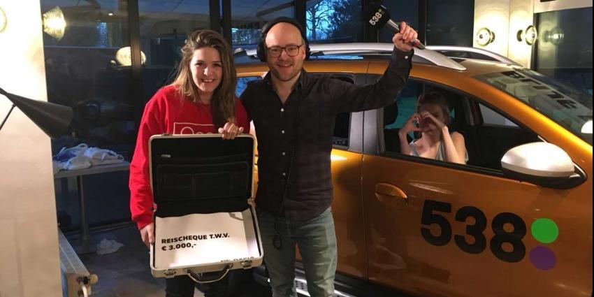 'Blijf erin en win': Shirley van der Bilt uit Nieuwegein stapt als tweede uit de auto!