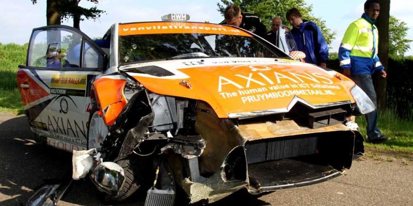 Foto van crash auto rally ELE 2013   Fons Hendriks   www.hendriks-multimedia.nl