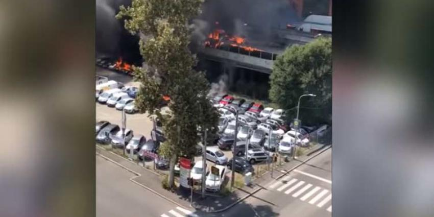 Doden en tientallen gewonden bij grote explosie tankwagen in Italië