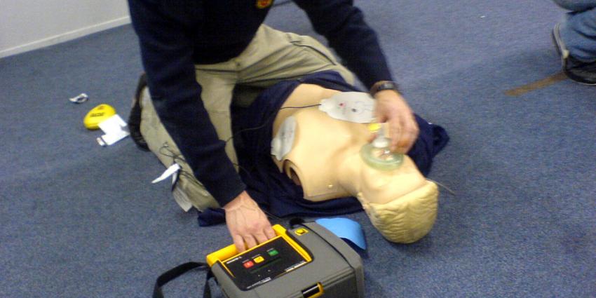 Weinig bereidheid AED te gebruiken bij reanimatie