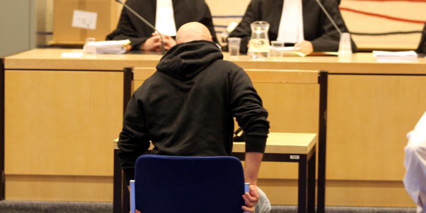 Vier weken celstraf voor bedreiging Haagse wijkagent via sociale media
