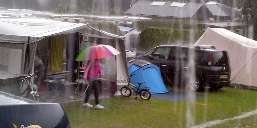 Vakantiegangers in eigen land: Neem voorlopig paraplu mee
