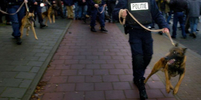 Politie gaat foto's van relschoppers Schilderswijk online zetten