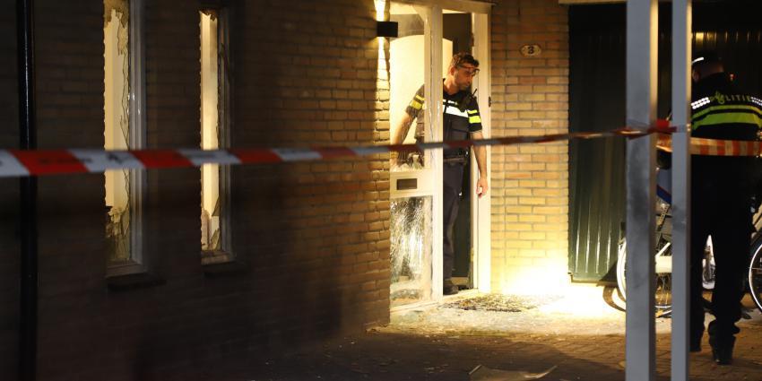 Grote schade na explosie bij woning agent