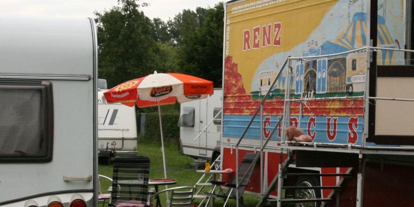 Circus Herman Renz de tent uitgejaagd