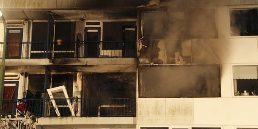 Explosie en brand in flat Ridderkerk | Flashphoto | www.flashphoto.nl