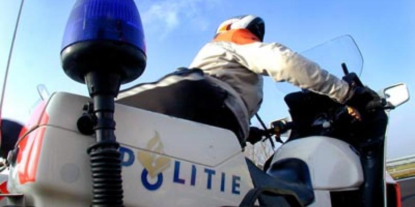 Fietsster ernstig gewond na aanrijding Amsterdam