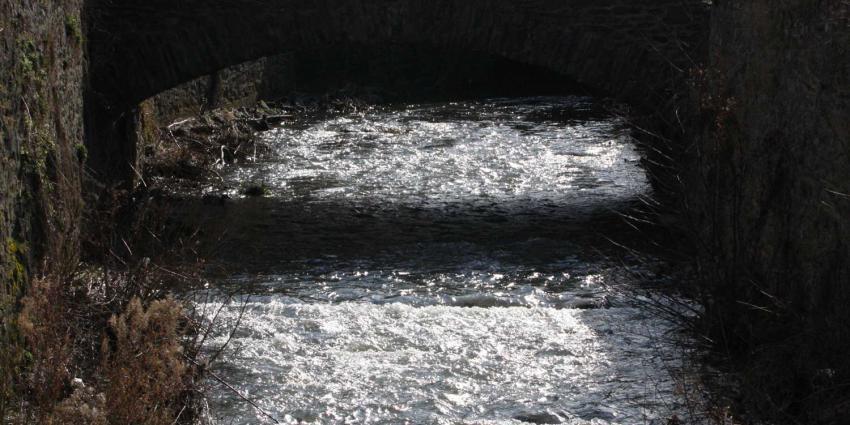rivier-brug