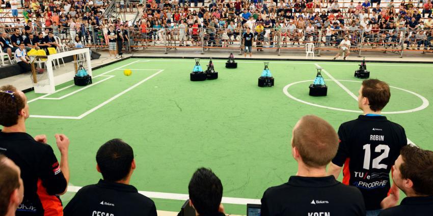Nederland weer wereldkampioen voetbal voor robots