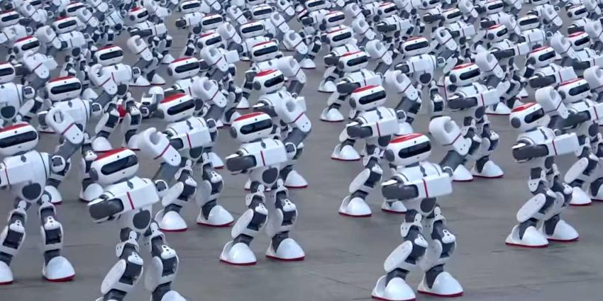 Ruim duizend dansende robots verbreken oude record