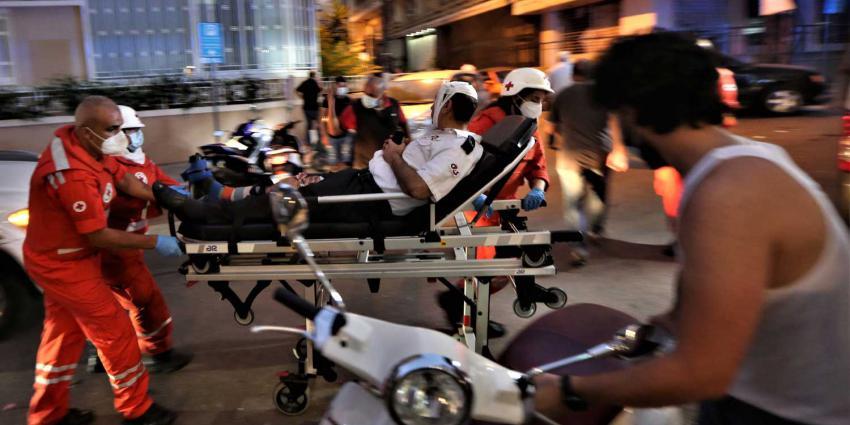 rode-kruis-ambulance-gewonde