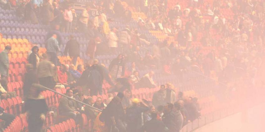Politie verricht 8 aanhoudingen bij wedstrijd Ajax-Standard Luik