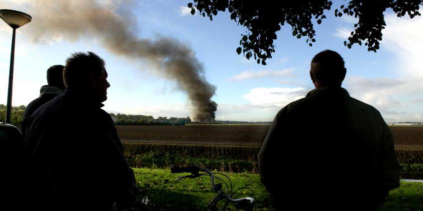 Varkensschuur met 2000 varkens in brand gevlogen