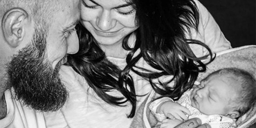 Roxanne Hazes bevalt van eerste kindje