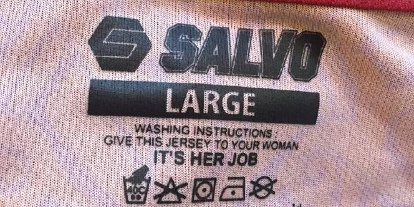 """""""Seksistisch"""" waslabel in kledinglijn"""