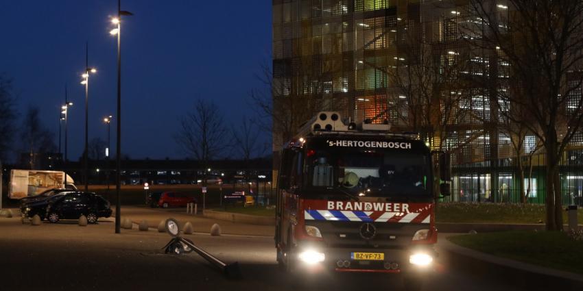 Prullenbak in brand in ziekenhuis