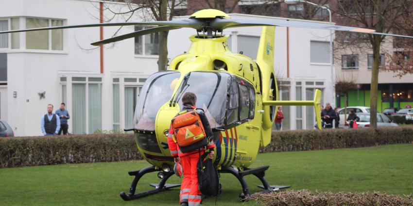 Traumahelikopter ingezet voor gevallen vrouw