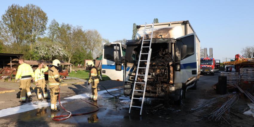 uitgebrande - vrachtwagen