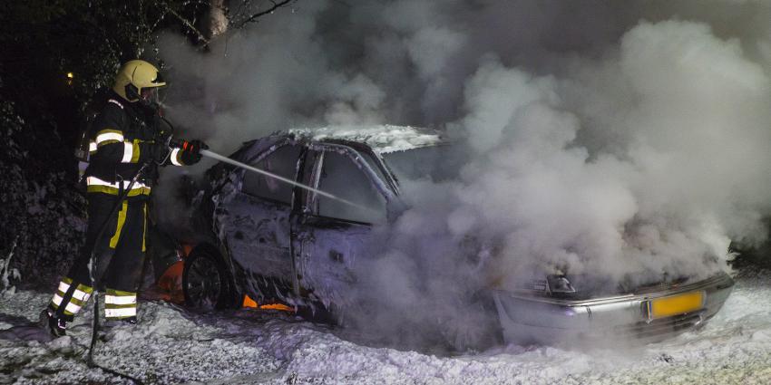 Brandweerman blust autobrand