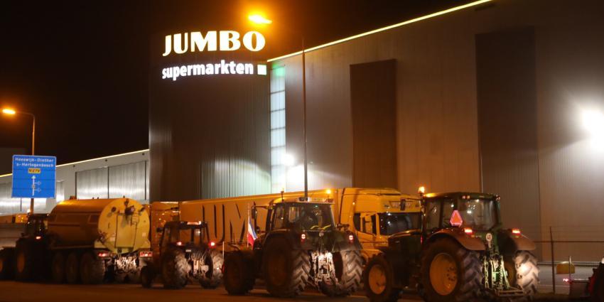 Boeren blokkeren distributiecentrum Jumbo